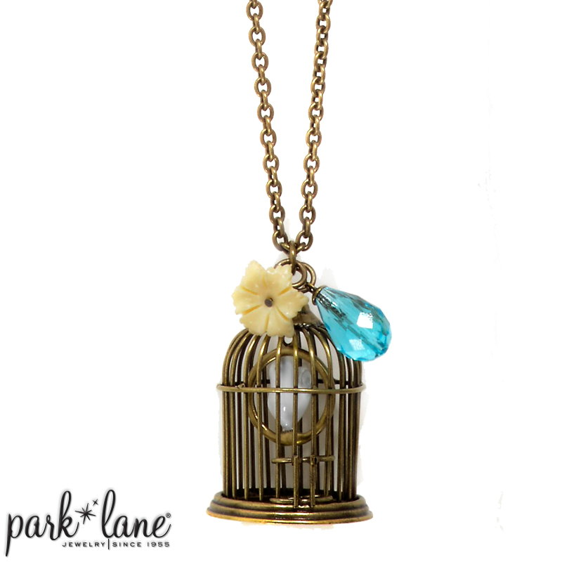TWEET NECKLACE Product Video