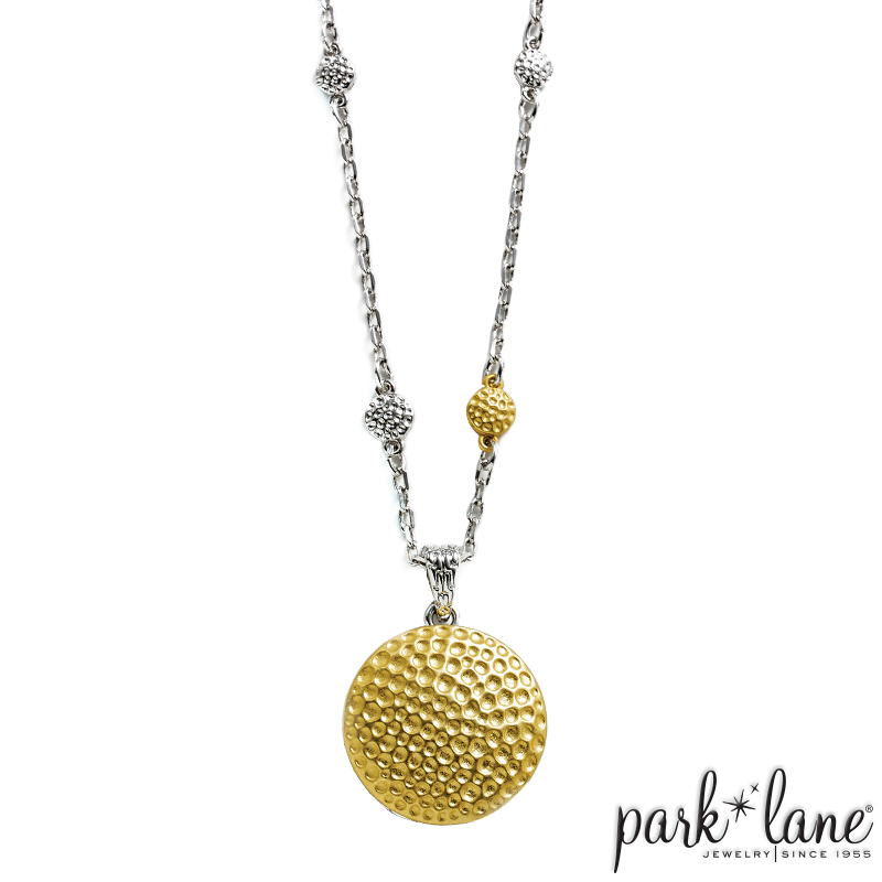 GILDED NECKLACE Product Video
