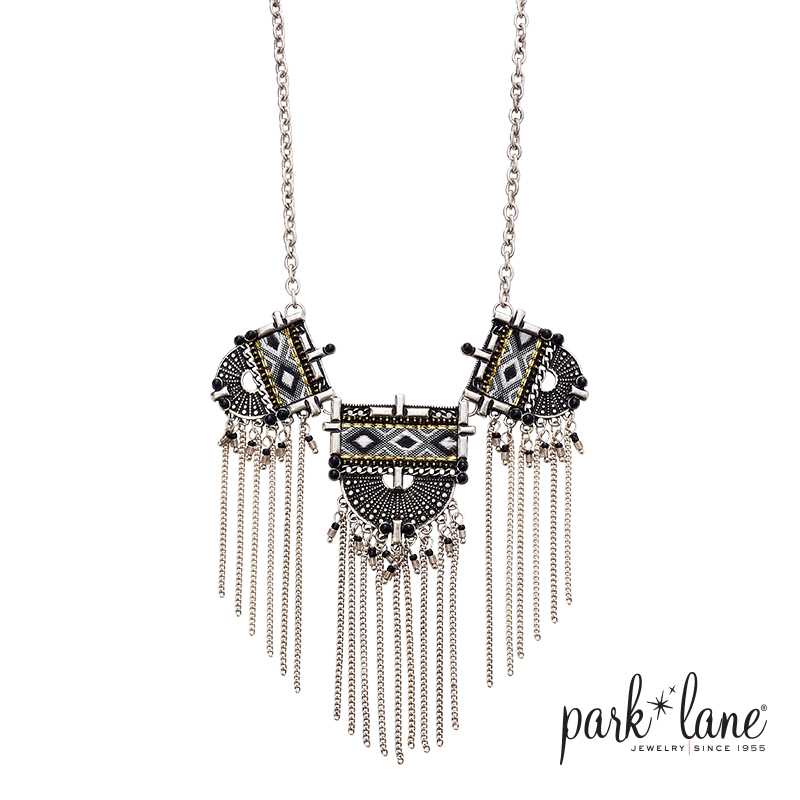 ZARA NECKLACE Product Video